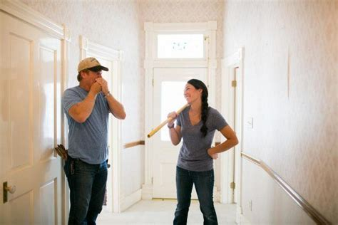 fixer upper book these are the things chip and joanna gaines do in every