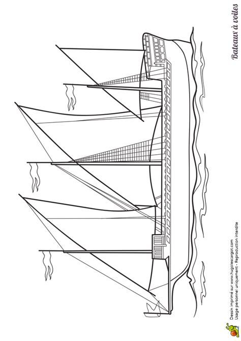 dessin d un bateau à voile dessin 224 colorier d un bateau 224 voiles une caravelle
