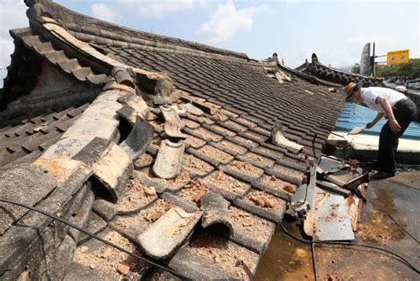 earthquake jakarta post artifacts damaged in record breaking earthquake in