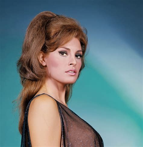 raquel welch famous poster raquel welch classic movie stars pinterest raquel