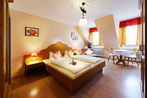 what are rooms hostel munich hotel munich hostel budget hotel rooms in munich hostels centrally