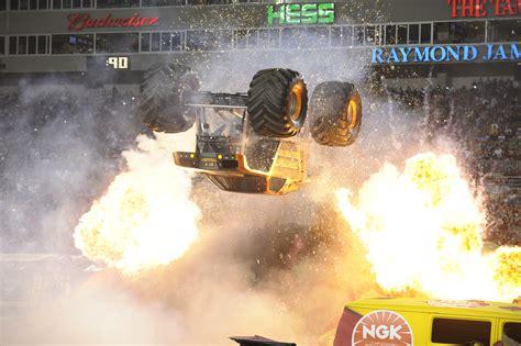 monster truck backflip videos monster jam backflip related keywords monster jam