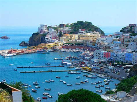 porto d imbarco per ponza isola di ponza i pontine lt turismo e ormeggi