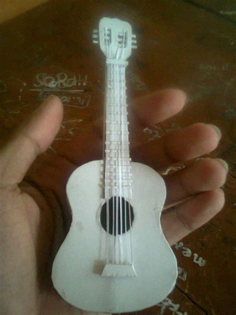 Guitar Papercraft - paper guitar by reyway on deviantart
