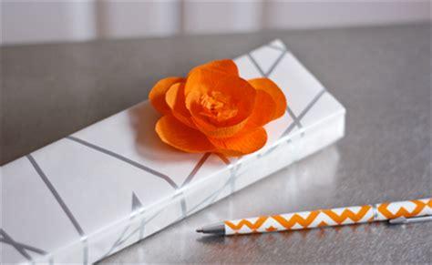 creare fiori con la carta crespa creare fiori con la carta crespa paperblog