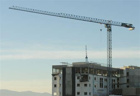 file construction crane in loveland colorado 2005 jpg