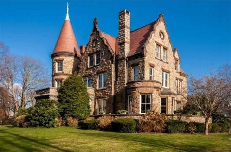Live Like Royalty in These Castle Homes   Modern castle