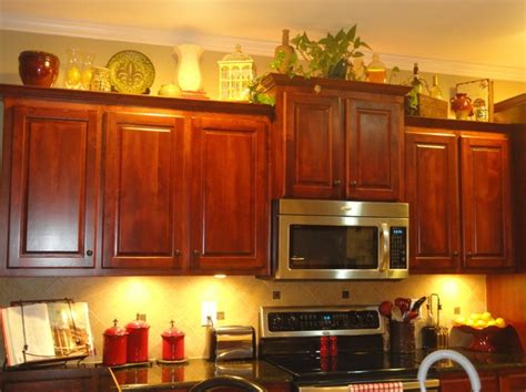 how to decorate kitchen cabinets decorating above kitchen cabinets tuscan style decolover net
