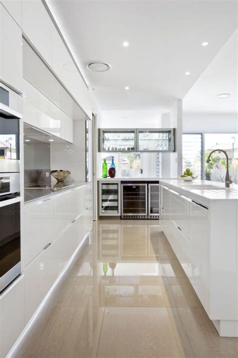 modern white kitchen 25 best ideas about white contemporary kitchen on
