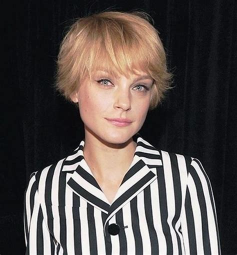 i love these super short bangs and this shaggy bob hair super short bob hairdo with short bangs pinteres
