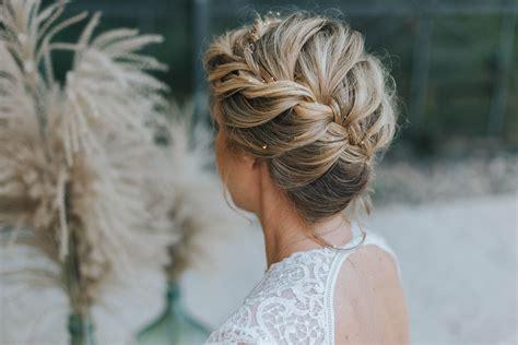 Brautfrisuren 2018 für mittellange und lange Haare mit Glitter   Haare hochgesteckt, Lange haare