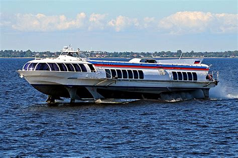 hydrofoil boat russia river tours to peterhof palace and park in st petersburg