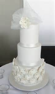 Wedding Invitations Melbourne 3 Tier Extended Wedding Cake Photo By Cakey Creations Gold Coast Qld