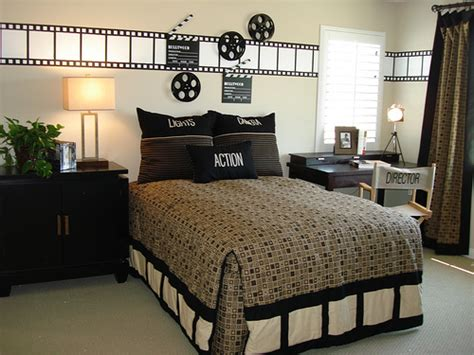 25 best ideas about hollywood theme bedrooms on pinterest hollywood bedroom movie themed boy s room quot movie director quot themed room julie thigpen