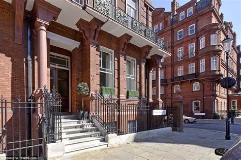 knightsbridge appartments omani sheikh buys two knightsbridge apartments daily