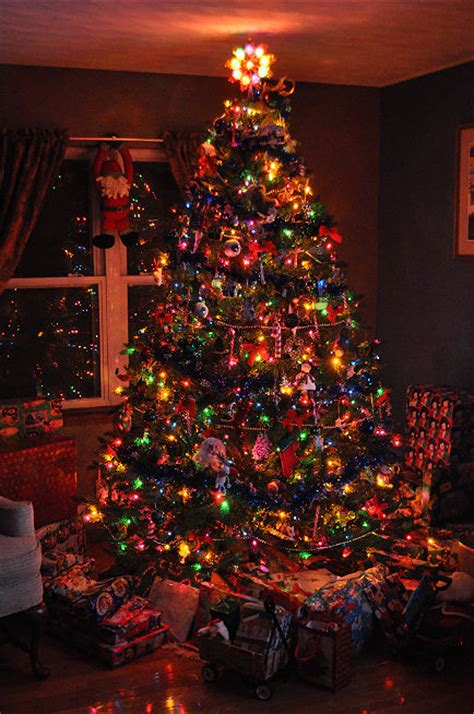 different ways to light a christmas tree 9 foot tree decoration pictures photos and images for
