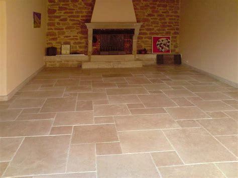 pavimenti in pietra naturale per interni pavimento in pietra calcarea per interni ed esterni
