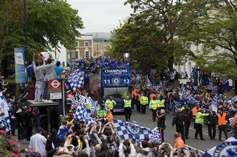 chelsea parade chelsea victory parade in pictures european football