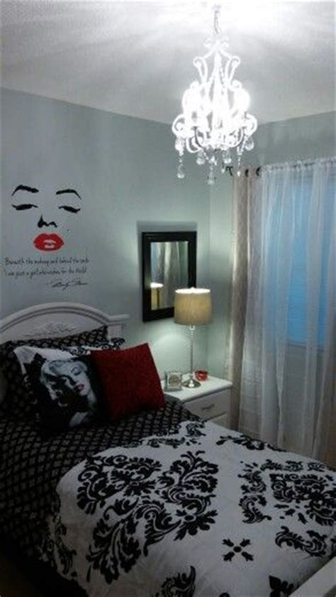 marilyn theme bedroom
