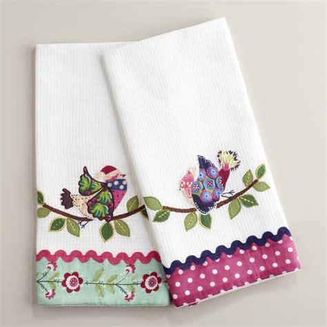 kitchen towels 25 best ideas about applique towels on dish