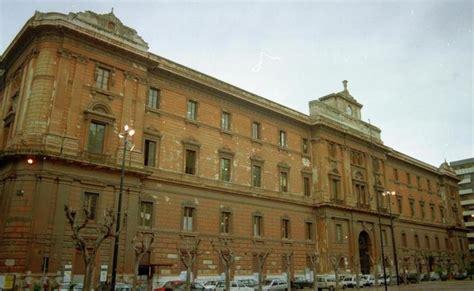 uffici di palazzo degli uffici di taranto vittima di furti e