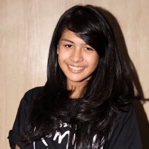 biography about maudy ayunda maudy ayunda berita foto video lirik lagu profil