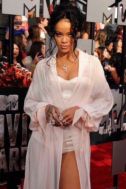 Dressjaket Rihana dress white gown rihanna black wheretoget