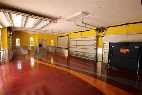 Vanilla Ice gets a new garage floor. Ron Van Winkle uses