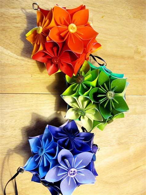 Origami Hanging Flowers - 17 best images about paper topiary wreath on
