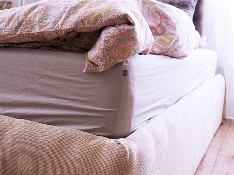 matratze wenden das schlafzimmer f 252 r die warme jahreszeit fit machen im