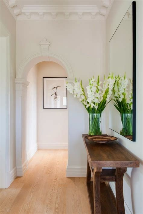 easy tips    hallway  bigger