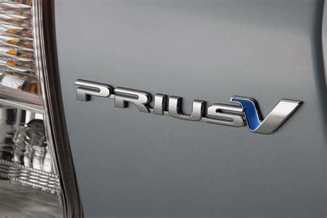 toyota prius logo toyota toyota prius logo image logo wallpaper prius