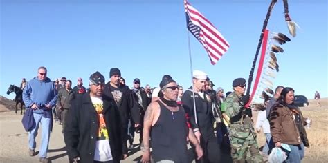 veteran explains upside down flag controversy youtube navy petty officer joins dapl protest with upside down