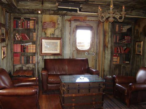 ship captain room panoramio photo of inside the phantom captain s cabin