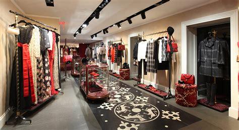 Harga Sepatu Dolce N Gabbana wisata belanja new york yang menarik dan populer