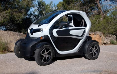 renault twizy vs smart fortwo will open air renault twizy electric car threaten new