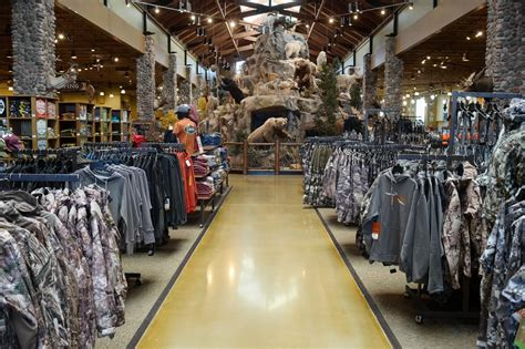 bass pro in atlanta bass pro completes 4 billion acquisition of cabela s am
