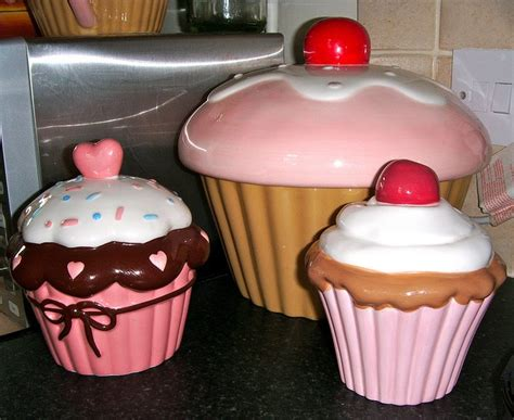 cupcake canisters for kitchen 75 best images about cookie jars on disney jars and dolls