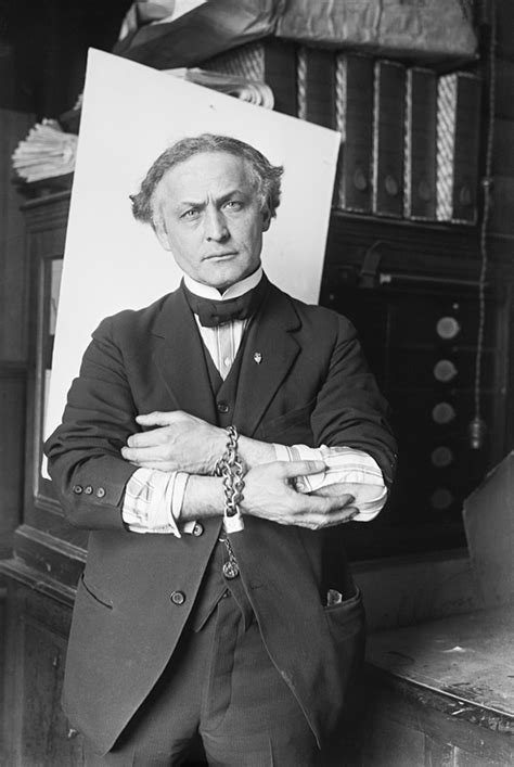 Harry Houdini Also Search For Harry Houdini Simple The Free Encyclopedia