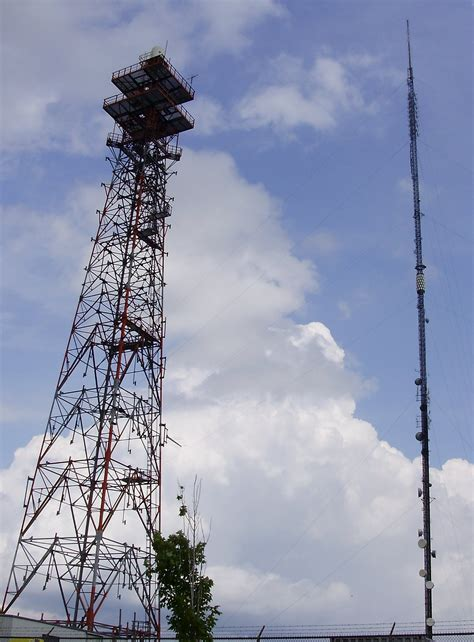 antenna towers cell am fm on towers radios and climbing