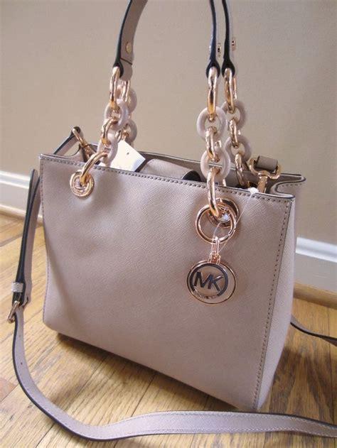 25  best ideas about Handbags Michael Kors on Pinterest   Michael kors fashion, Hide bangs and