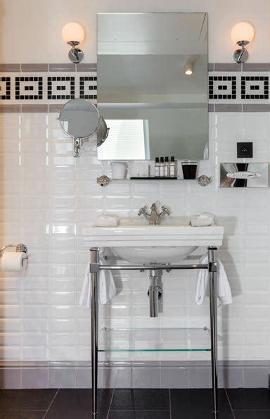 Impressionnant Lavabo Salle De Bain Retro #3: Hotel_Monsieur_Salle-de-bain_Carreau-Metro_retro_Lavabo.jpg