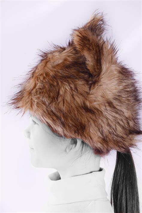 bonnet avec oreilles et motif animal