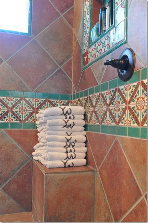 Mexican Tile Bathroom Ideas by Best 20 Spanish Bathroom Ideas On Pinterest