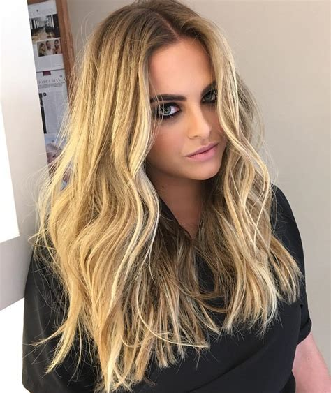 how fo i get beachy waves loke krlly ripa 20 perfect ways to get beach waves in your hair 2018 update