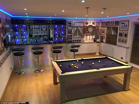 gamer zimmer room of the year entries include tottenham hotspur