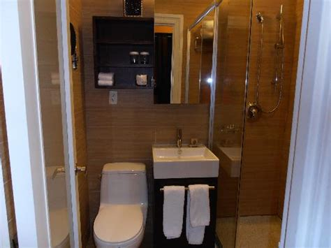 bathroom picture of empire hotel new york city