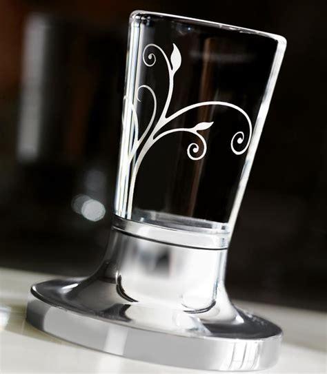 hersteller badarmaturen armaturen mit glas armaturenhersteller setzen akzente