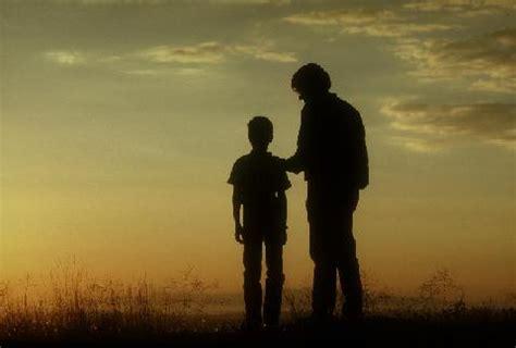 imagenes de luto x un hijo deleitate en la palabra de dios el pastor y su hijo