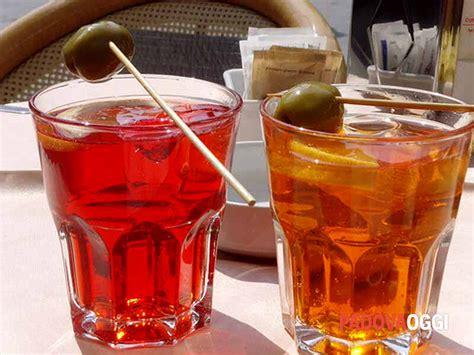 Bicchieri Da Spritz La Ricetta E Le Origini Dello Spritz